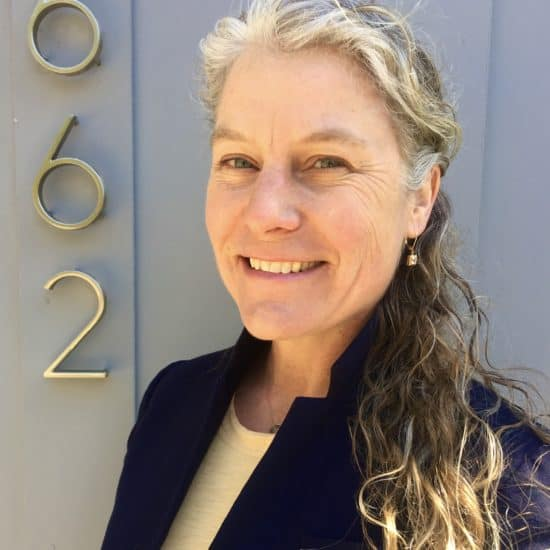 Roschele Neu Central Oregon real estate broker with Stellar Realty Northwest